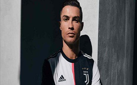 Untitled 1 53 464x290 - Maurizio Sarri Proyeksikan Cristiano Ronaldo Sebagai 'False Nine'