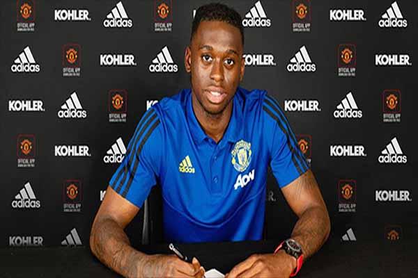 Untitled 1 64 - Manchester United Resmi Umumkan Transfer Aaron Wan-Bissaka