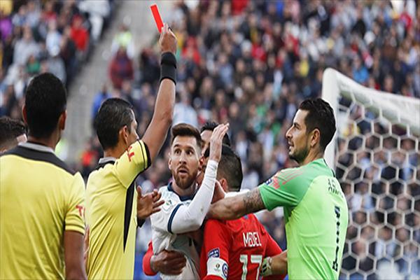 Untitled 1 7 - Kartu Merah Kedua Lionel Messi Sepanjang Kariernya
