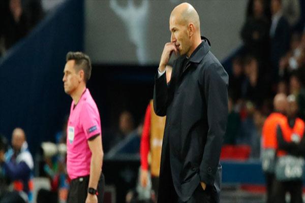 Untitled 1 10 - Digosipkan Bakal Digantikan Jose Mourinho, Begini Komentar Zinedine Zidane