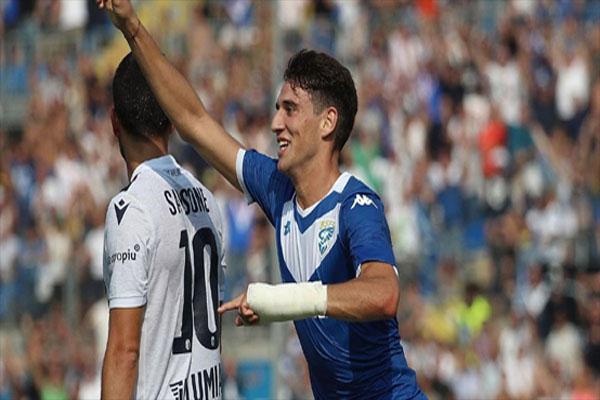 Untitled 1 19 - Butuh Bek Baru, Juventus Lirik Pemain Brescia Ini