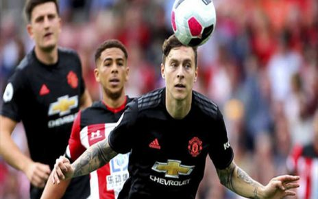 Untitled 1 6 464x290 - Manchester United Resmi Perpanjang Kontrak Victor Lindelof
