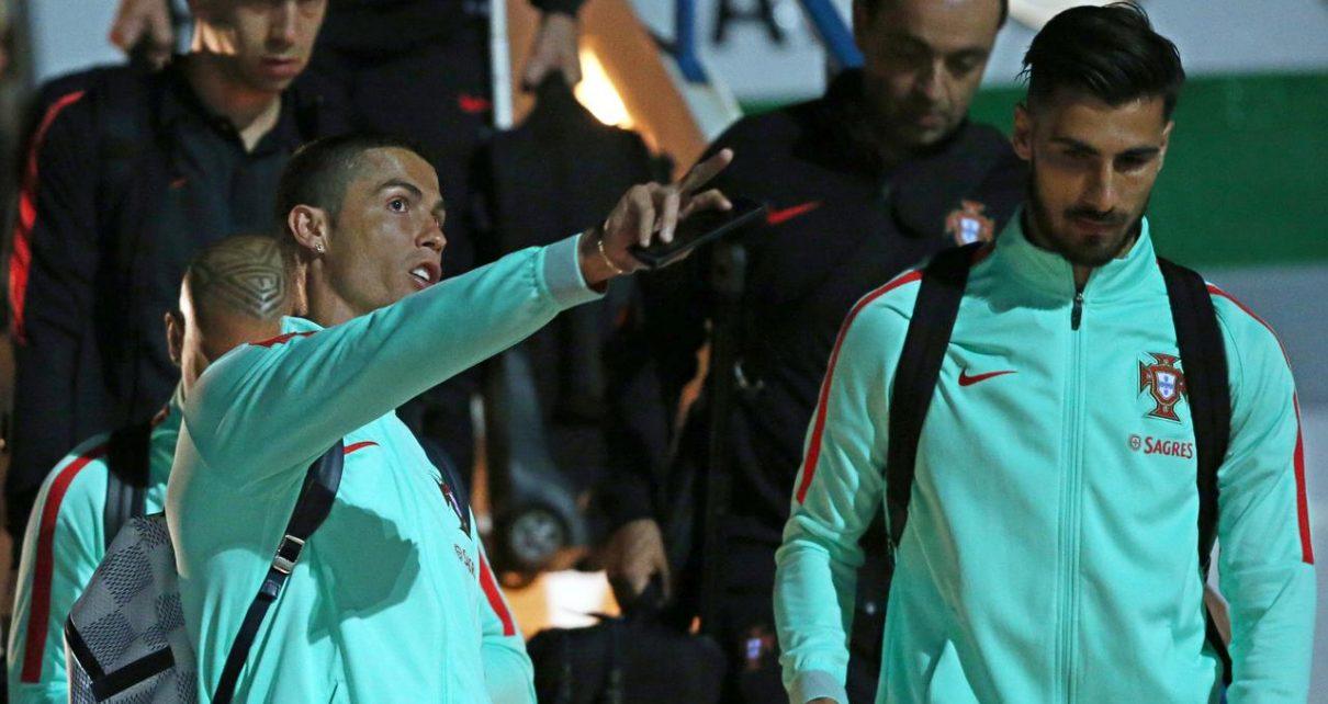 qqsam3 1210x642 - Andre Gomes Mendapatkan Pesan Menyentuh Dari Christiano Ronaldo